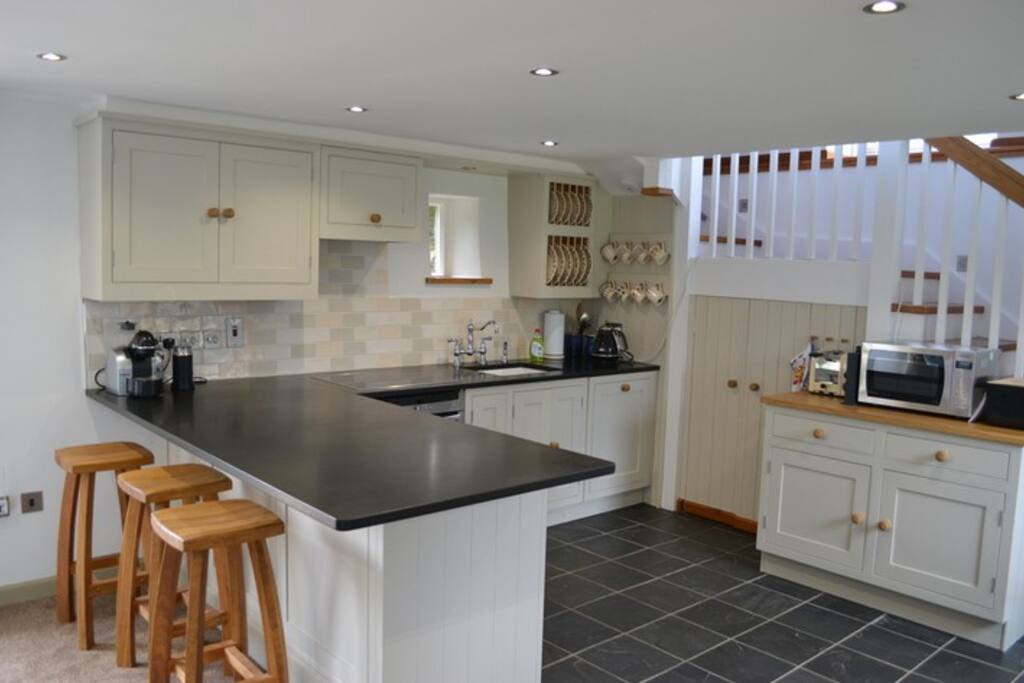 Fully equipped new fitted kitchen