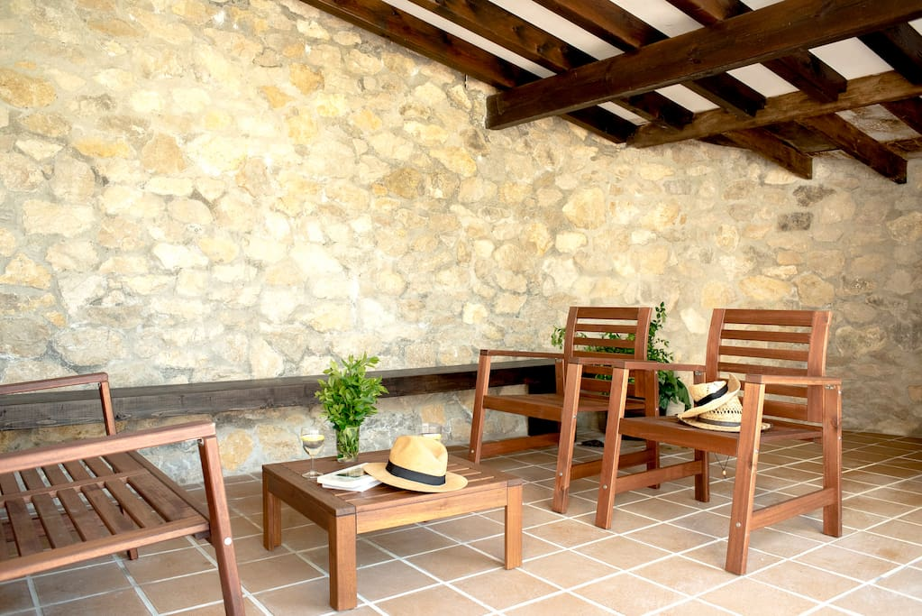 Porche salita de estar de entrada / porch and outdoor living area in the entrance