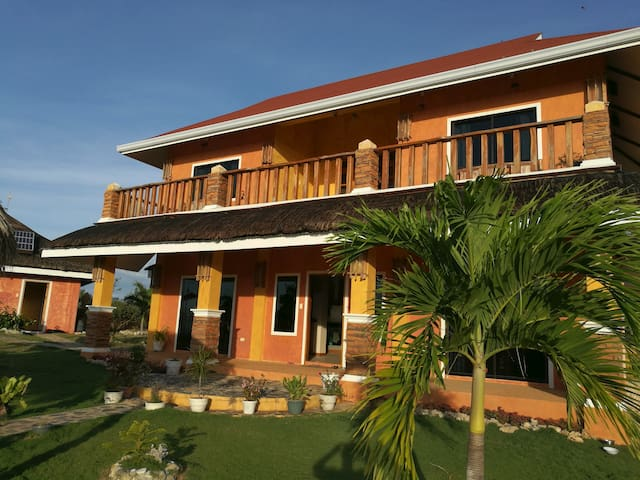Saschas Place Beach House - Siquijor - Rumah