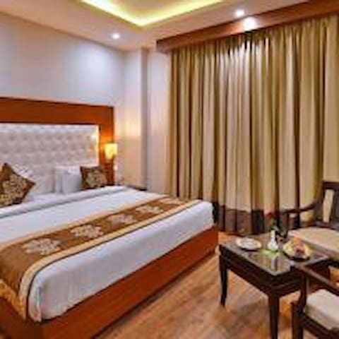 A Luxurious & Charming Staying Place