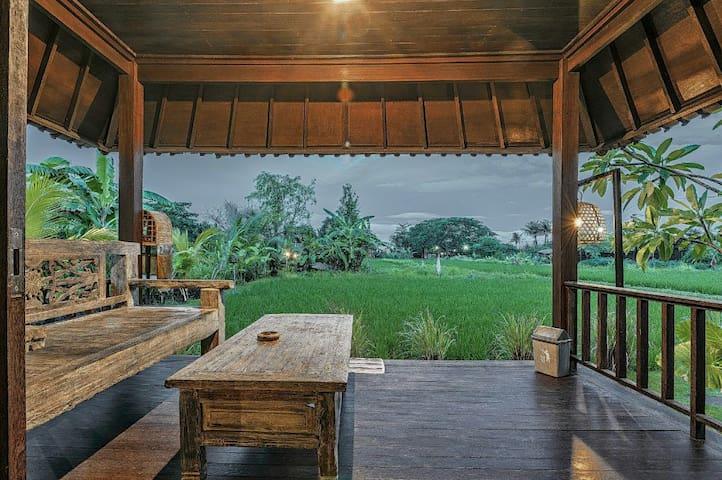Keramas Surf Camp Bali