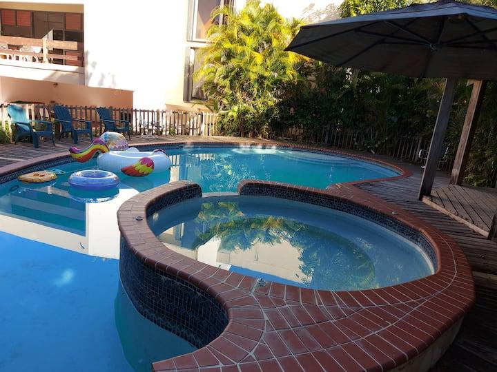 House Resort 1 guest room