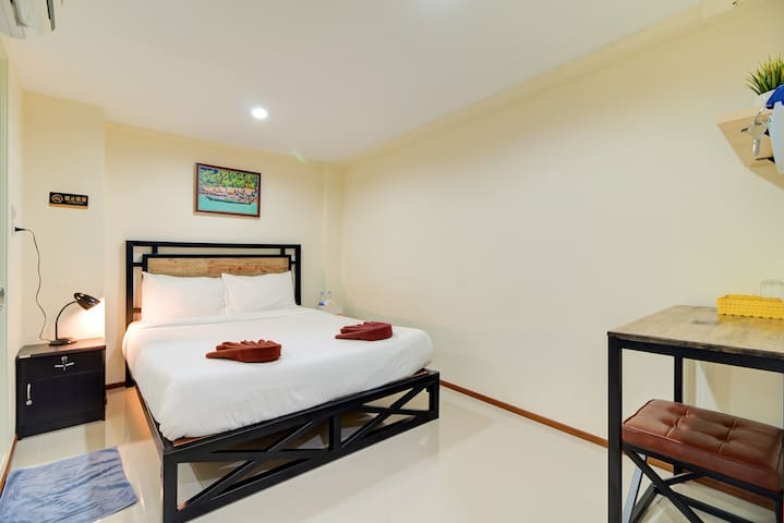 新旅馆市中心 New Room Center of Bangkok, Upper Floor