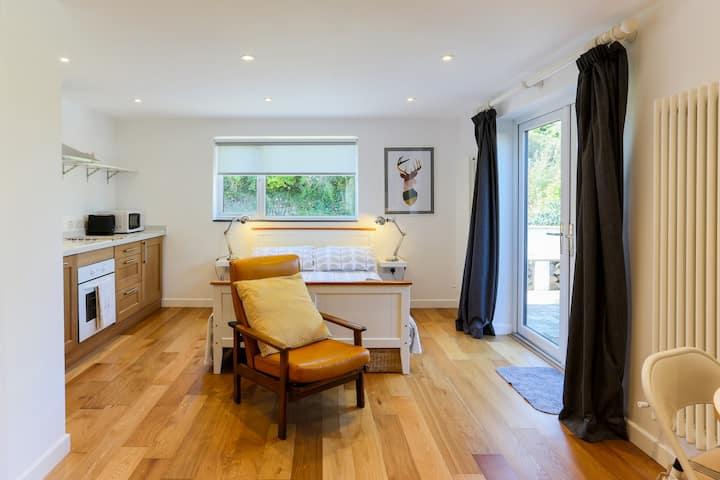 'Little Lowena' studio flat in Carbis Bay