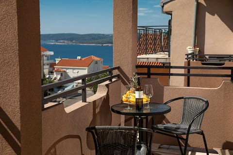 Nice Studio apartment with all you need & seaview