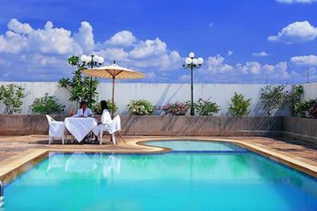 Lover Laithong Grand Hotel