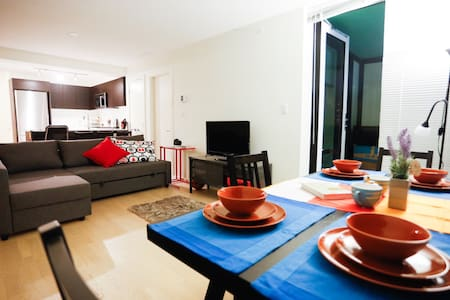Brand New, Sunny & Scenic! - Richmond - Apartment
