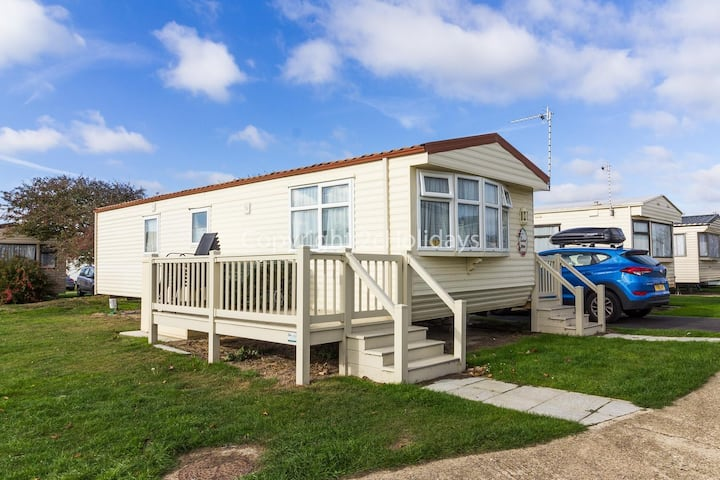 6 berth caravan for hire with decking at Broadland Sands ref 20217BS