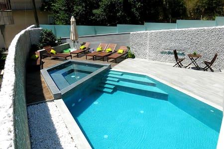 Luxury apartment Lara Blue - Žrnovnica - Huoneisto