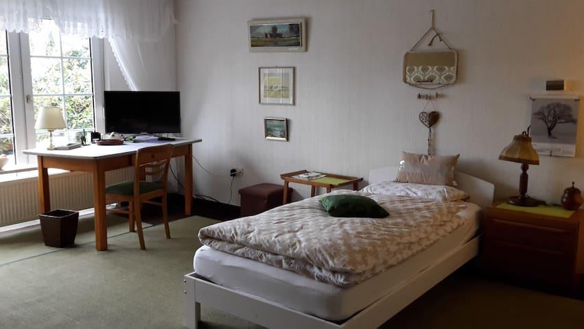 Gemütliches Vintagezimmer im Landhaus