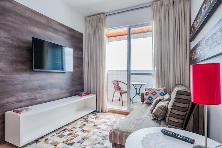 Charmoso Apartamento 2 Quartos c/ Garagem - Cabral