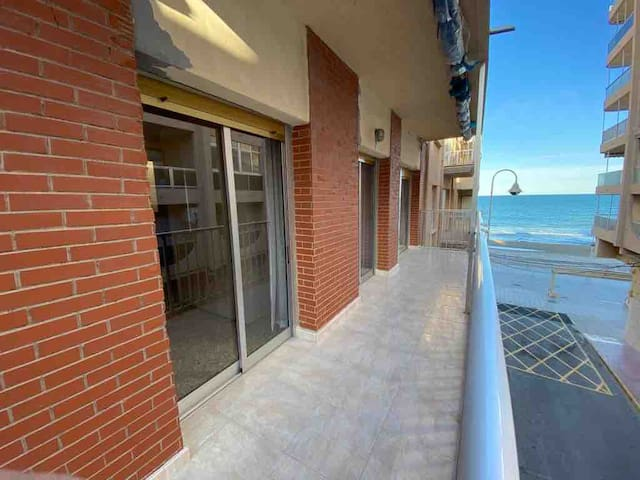 Vivo junto al mar - typical Mediterranean house