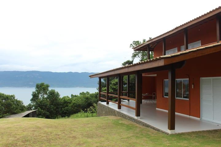 Casa espaçosa e aconchegante com vista paradisíaca