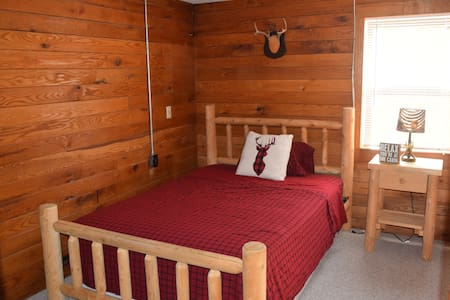 Private 1 bedroom guest house (Cozy Cabin) - Whitmore Lake - Apartemen