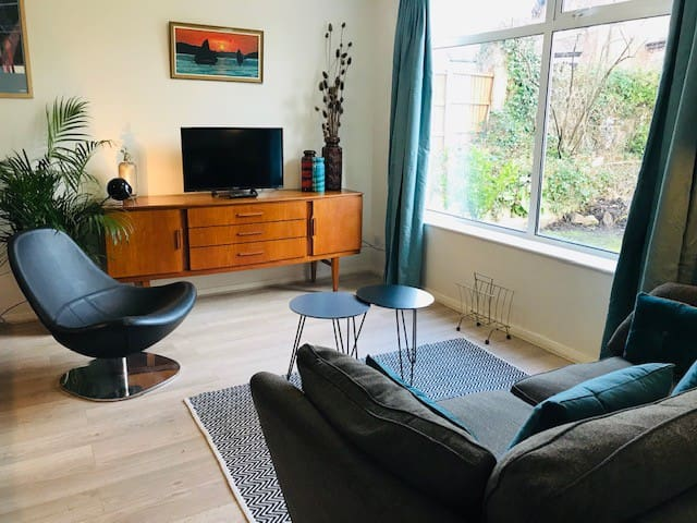 Stay in Chorlton Boutique Home near Man United