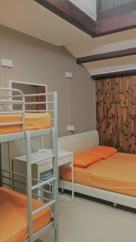 @4pax family dormitory