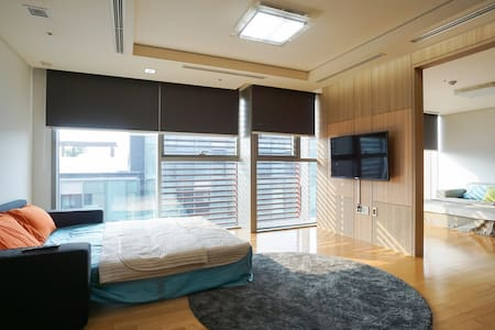 Canal Walk - Family Room (PM7 Check-in) / 22평 - Apartment