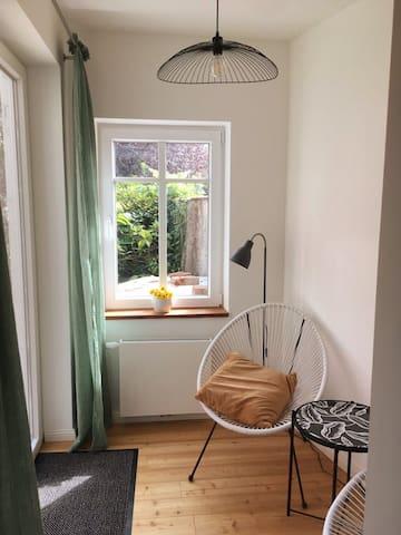 Stylish House  Sleeps 6 + Cot, Wifi/TV/Parking