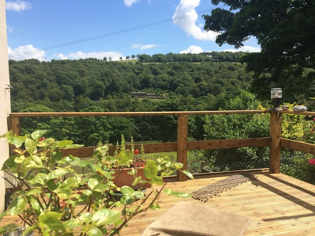 Cute stone cottage for two in the Ryburn Valley - Sowerby Bridge