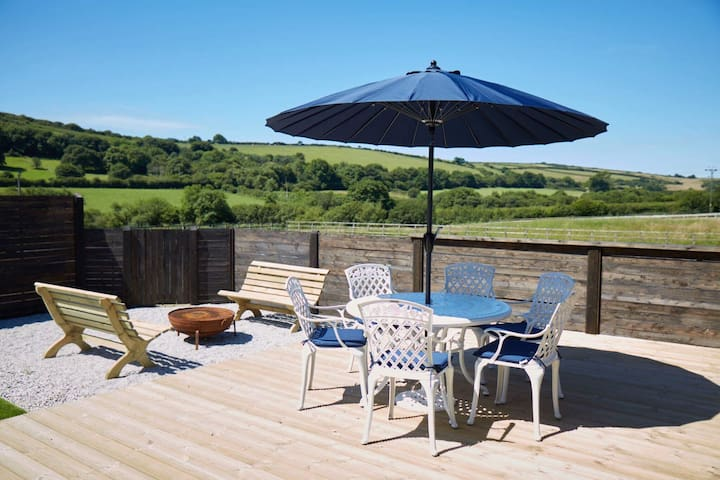 Countryside Getaway & Hot Tub, Woolacombe 3mls