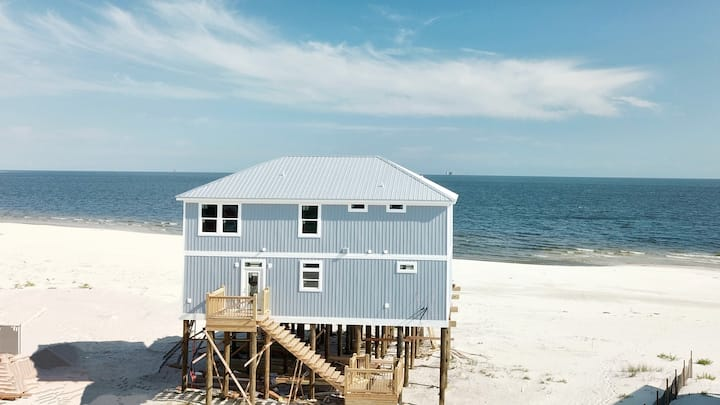 Island Time 4 - 5 Bedroom Gulf-front Beach House with Pool, Game Room - New for 2018