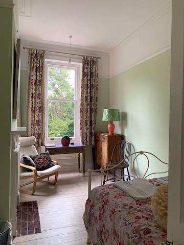 North facing bedroom, enjoys afternoon sun
