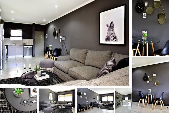 Modern Sandton Apartment with UNCAPPED Wifi