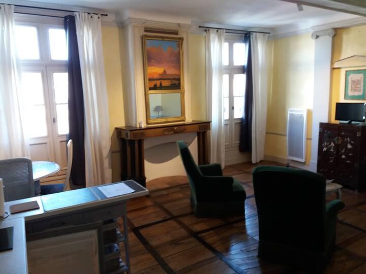 studio de charme dans immeuble classé