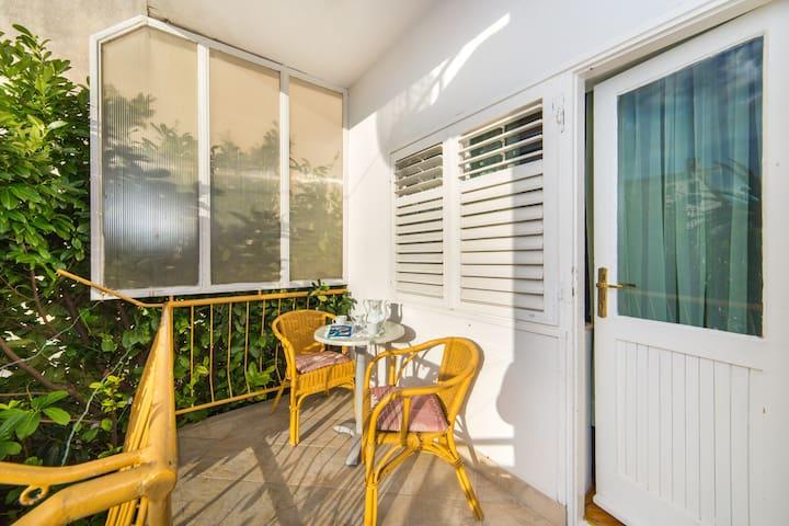 Baška Voda - One Bedroom Apartment with Balcony