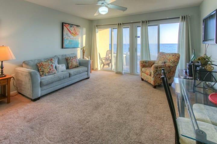 Beautiful Gulf-Front Condo w/ Patio & Outdoor Shower/Beach Equipment/Shared Pool