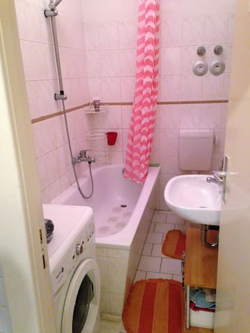 Flat in Schöneberg.Great location.Clean and bright