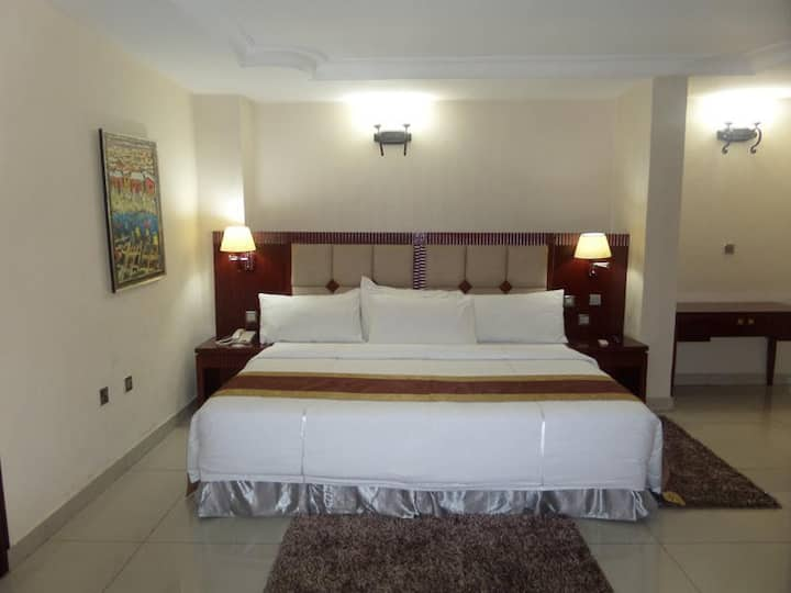 Barcelona Hotel-Diplomatic