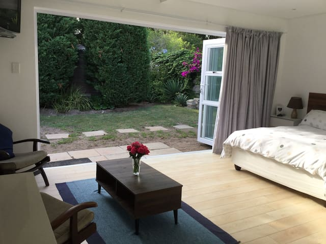 Peaceful Stay in Humewood