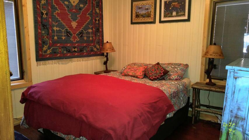 White Birch Retreat bedroom #1 - queen bed.