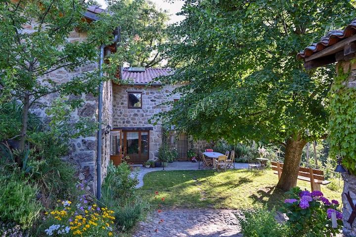 Chambre d'hôtes dans le parc des Monts d'Ardèche