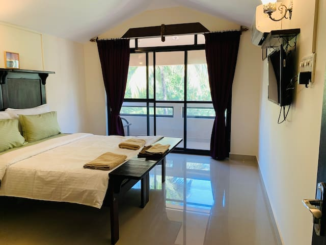 Plush One Bedroom Studio apartment in Calangute