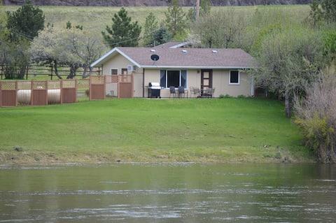 Fishin' Eddy's Shady Rest Missouri River Cabin