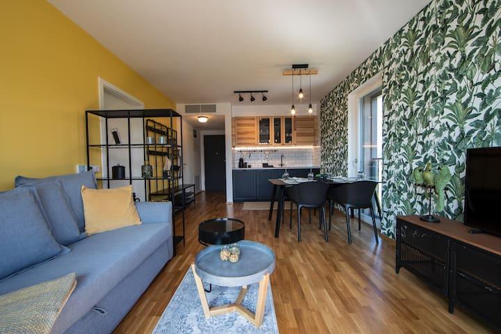 Jungle Mesh Lux Apartment