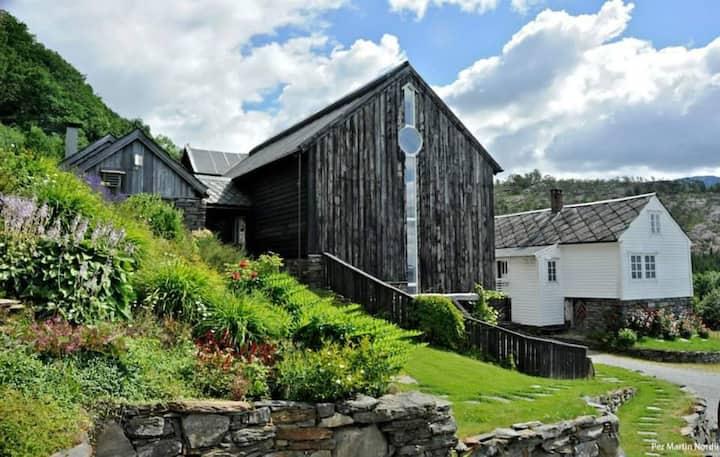 Unik Natur&Kultur ved Hardangerfjorden - Stabburet