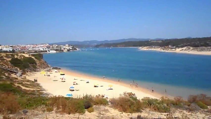 Praia de Milfontes - Farol