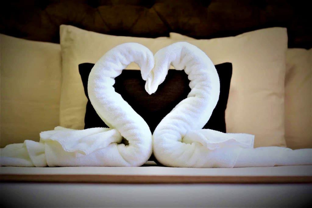 heart-shaped swan towels