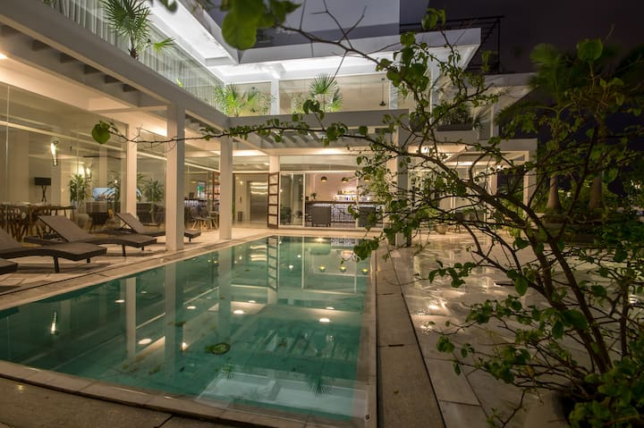 Rooftop with swimming pool in the heart of danang