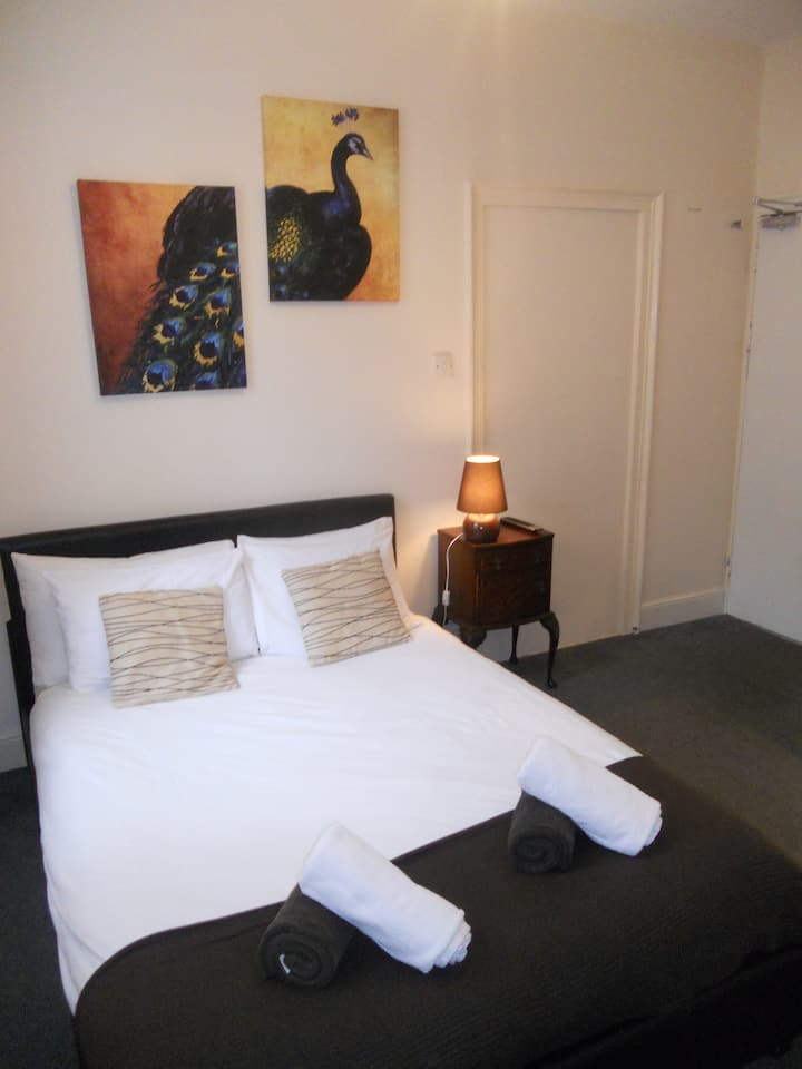 Double EnSuite, Close to the sea 2