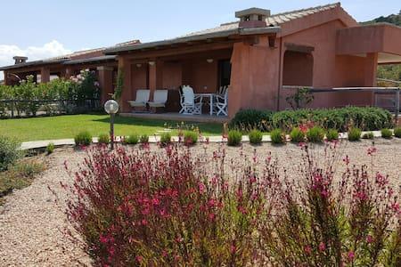Very beautiful Villa with breathtak - golfo aranci - วิลล่า