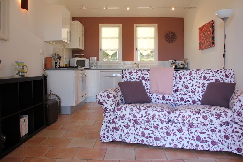 Les Cerisiers - comfortable living area with French & English TV