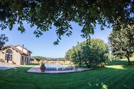 VOCABOLO MONACHE- LA PIANA - Perugia