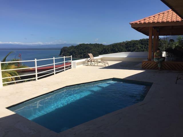 Hermosa y  casa en Punta Leona