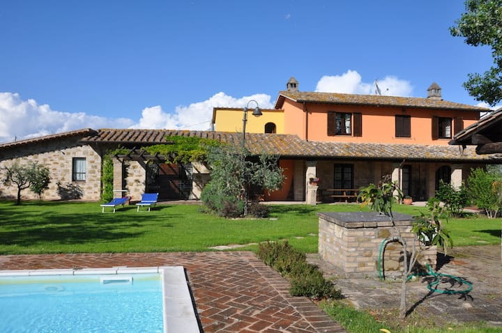 Villa Reale - Ferienvilla mit pool in Assisi, Umbrien