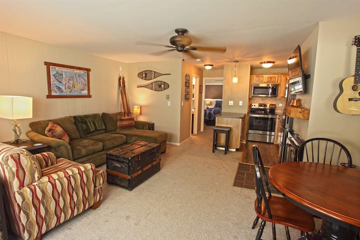 NEW! Dover Condo minutes from Mt. Snow!