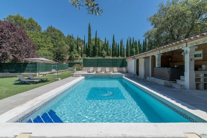 Villa with 3 bedrooms in Oppède, with wonderful mountain view, private pool, furnished garden